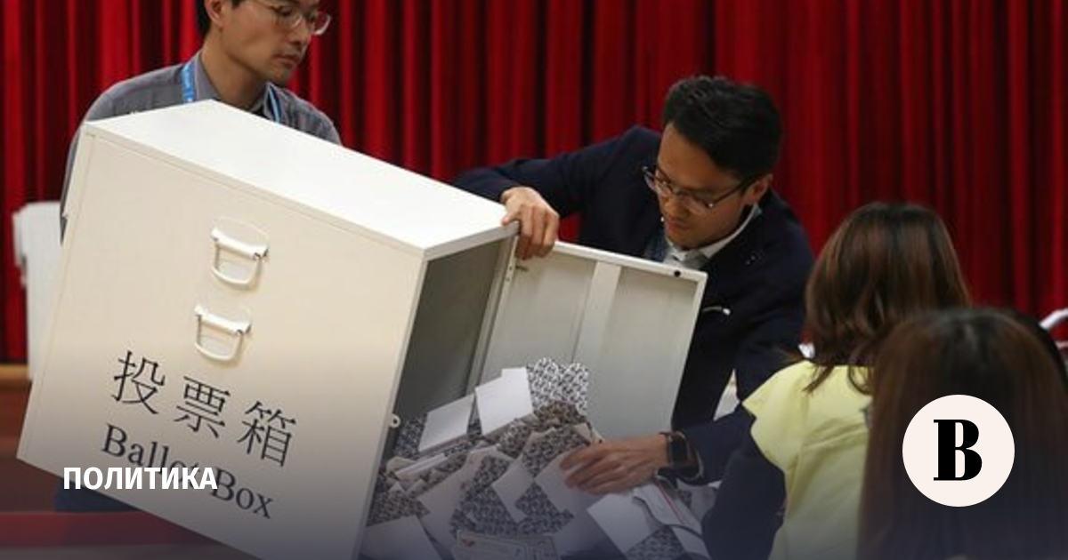 Продемократические кандидаты победили на выборах в Гонконге
