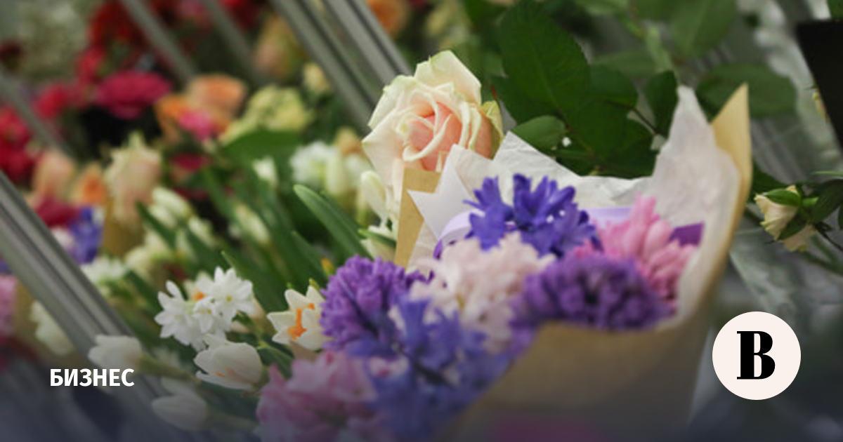 Продавцы сообщили о подорожании цветов к 8 марта более чем на треть
