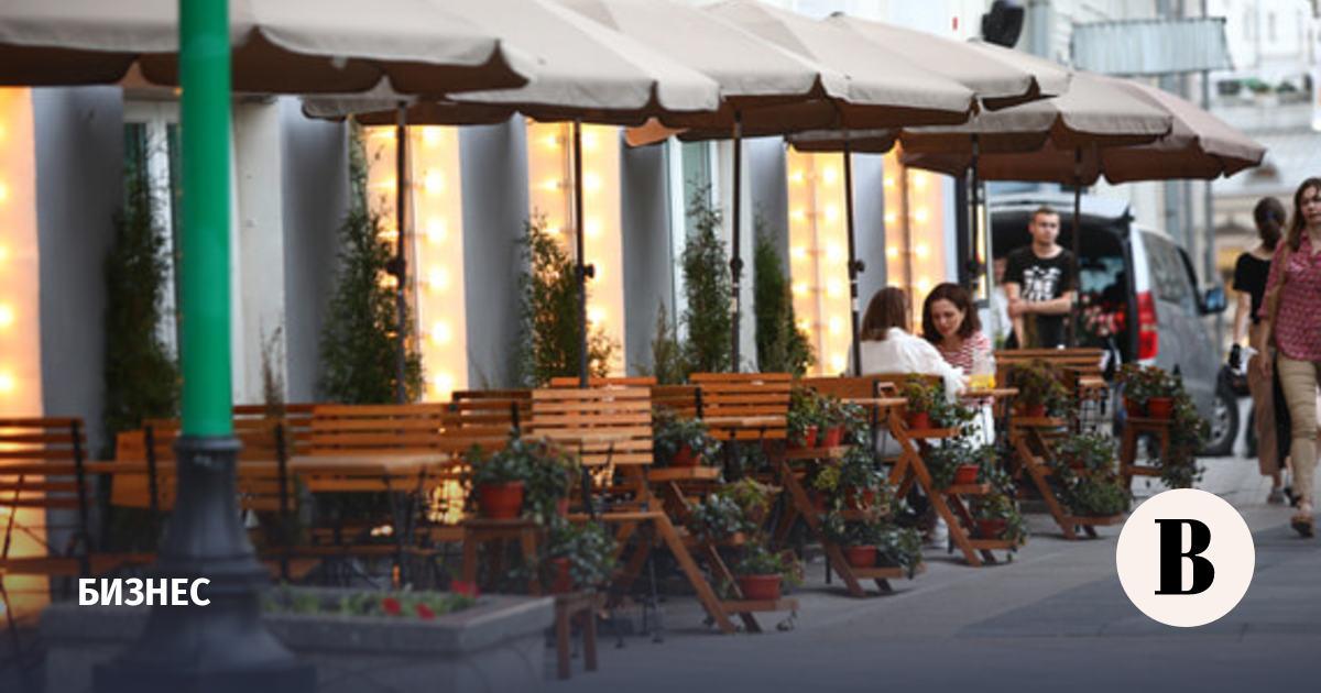 Власти Москвы раскрыли условия эксперимента по созданию антиковидных зон в ресторанах