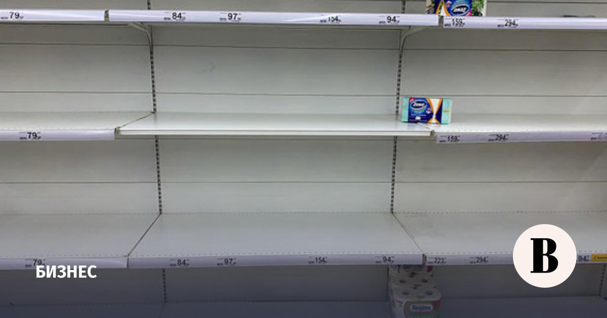 Мантуров исключил появление пустых полок в магазинах